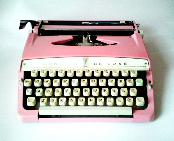 brother_typewriter_pink_2
